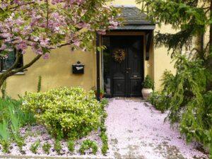 house entrance 255132 1920
